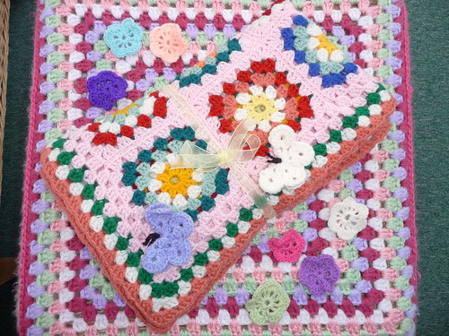 'creativegranny' has made and donated this beautfiful Granny Square blanket! Thank You!