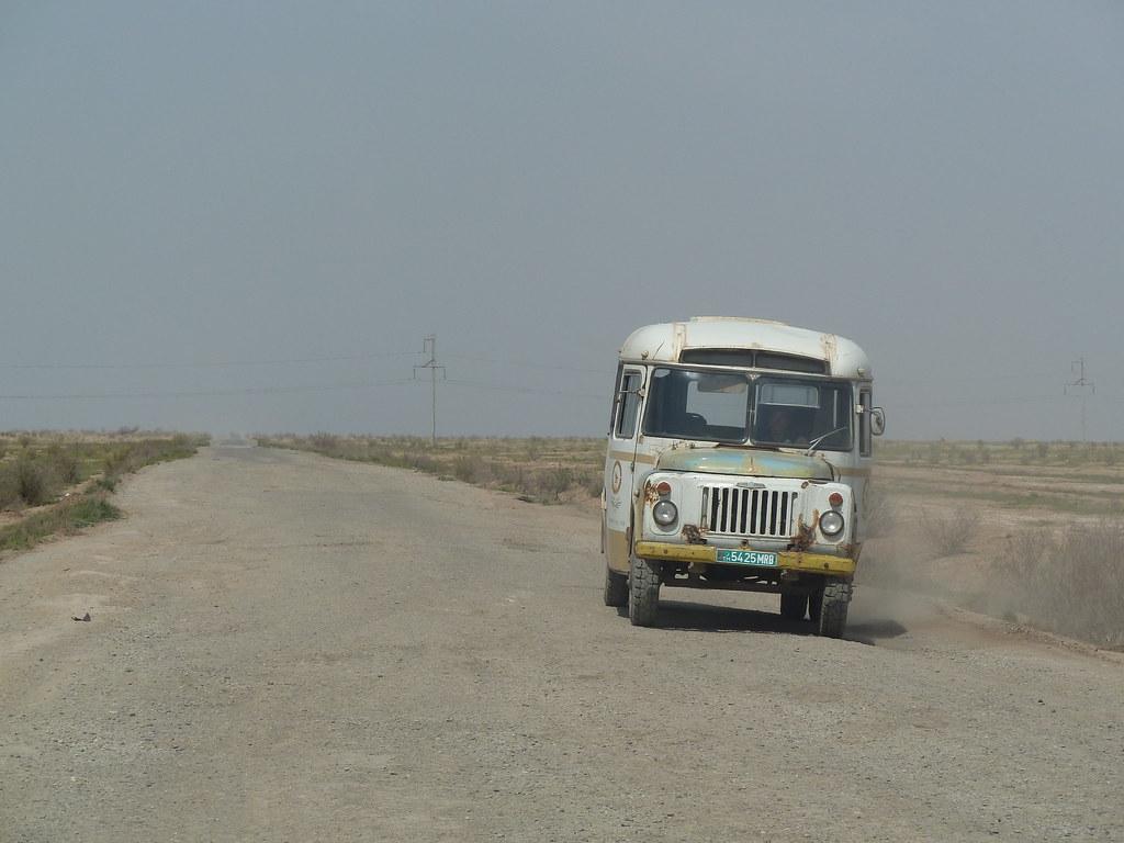 Autobus turkme, Karakum (Turkmenistan)