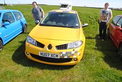 family car(0.0), seat ibiza(0.0), automobile(1.0), automotive exterior(1.0), supermini(1.0), vehicle(1.0), renault mã©gane(1.0), hot hatch(1.0), land vehicle(1.0), vehicle registration plate(1.0), hatchback(1.0),