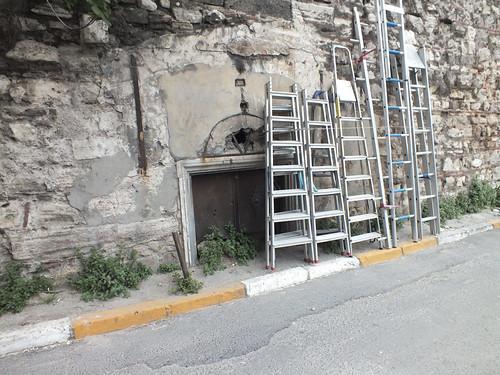 7166380180 aebee0a9eb A Genovai falrendszer nyomában – 3. rész (Rumli kalandjai Isztambulban – 16. rész)