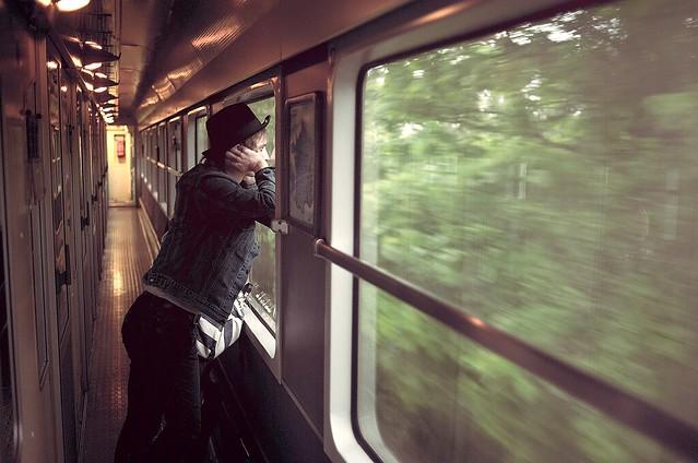 Th o Gosselin - LAST TRAIN HOME