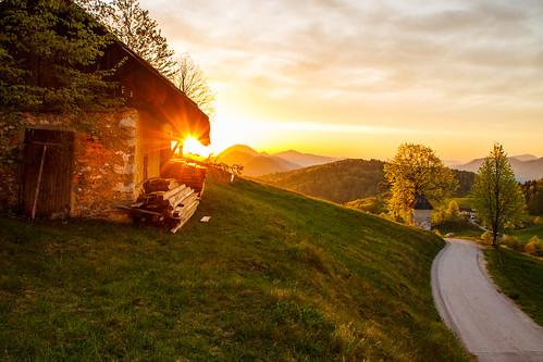 morning roof light sun house sunshine sunrise view slovenia slovenija gora limbarska