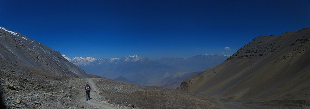 descending Thorong La to Mustang