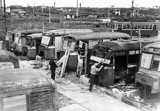 Viviendo en autobuses tras la guerra (Tokio, 1946)