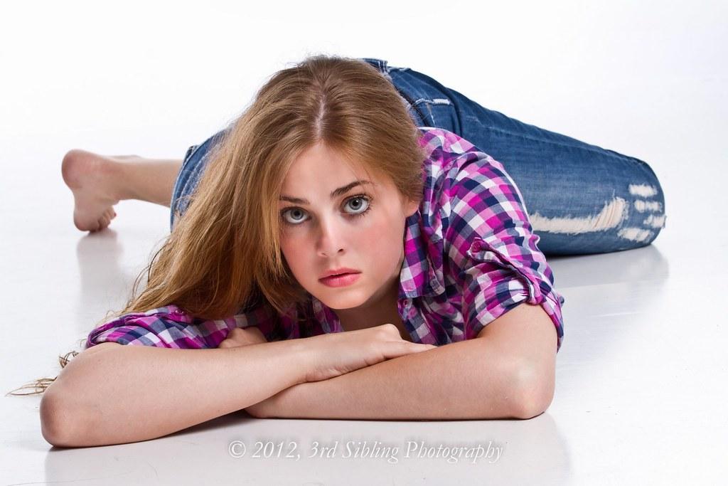vids-huston-hot-babes-cute-teen-feet