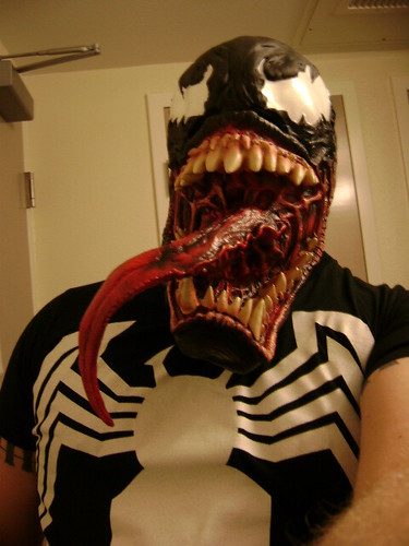 venom_mask_by_dustormcloud-d31zuey[1]