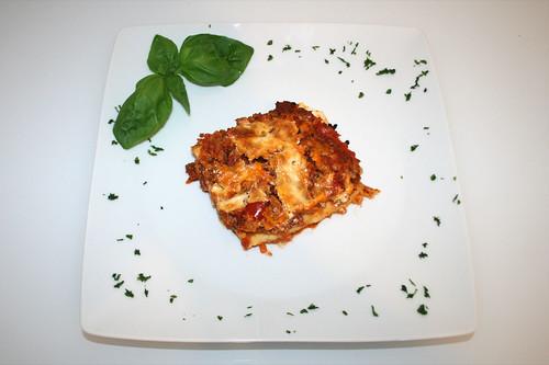 41 - Möhren-Ziegenfrischkäse-Lasagne mit Rinderhack - Carrot goat cream cheese lasagne with ground beef - serviert