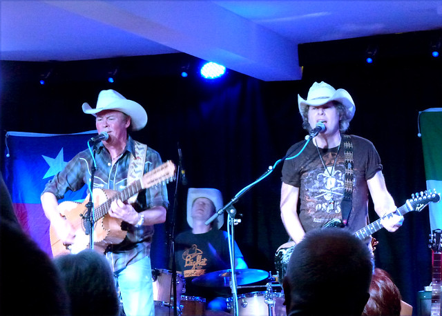 Paul Young with Los Pacaminos