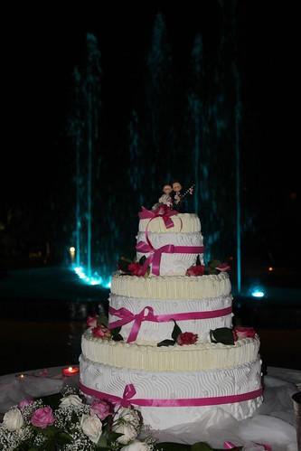 Torta Nuziale con Cake Topper per Matrimonio
