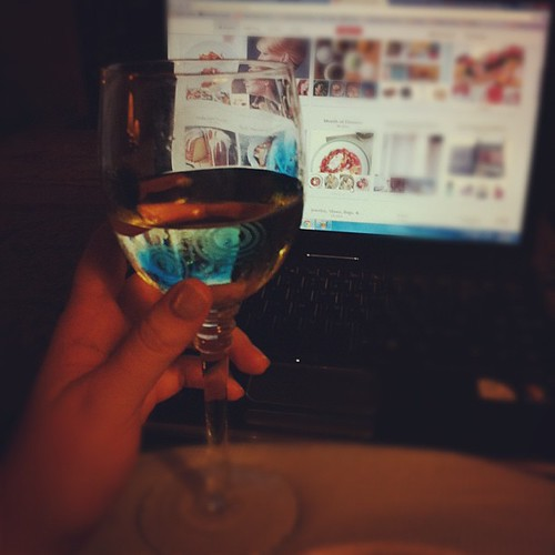 {Day 10} #cold vino whilst pinning & HGTVing #aprilphotoaday