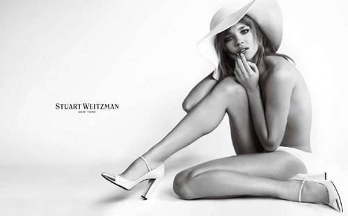 Natalia-Vodianova-Stuart-Weitzman