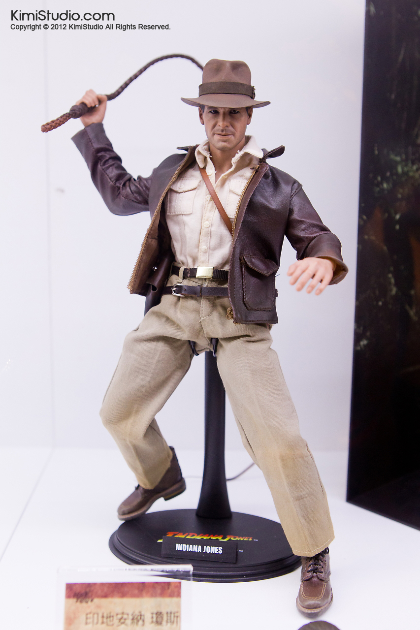 2011.11.12 HOT TOYS-111
