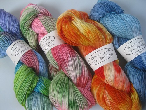 New batch yarns with labels