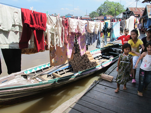 Returning to Riverfront Housing in Banjarmasin, Indonesia