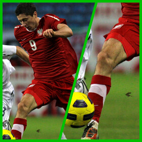 Muscular Thighs of Robert Lewandowski