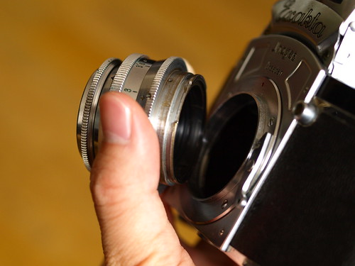bayonet lens mount of Kine Exakta