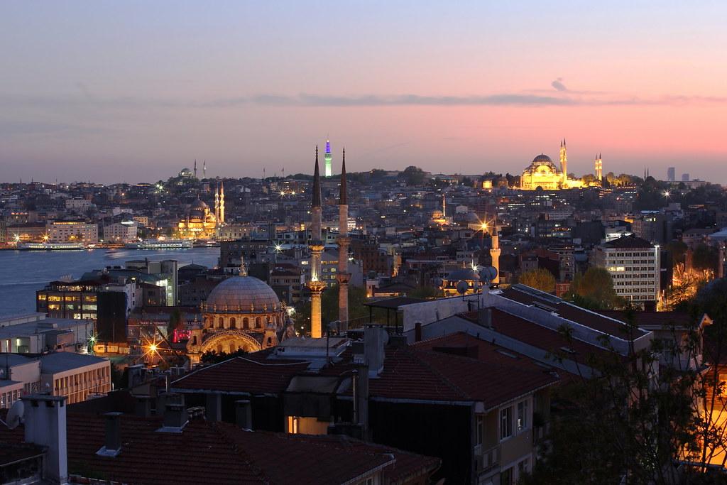 Fine stagione venezia istanbul for Istanbul venezia