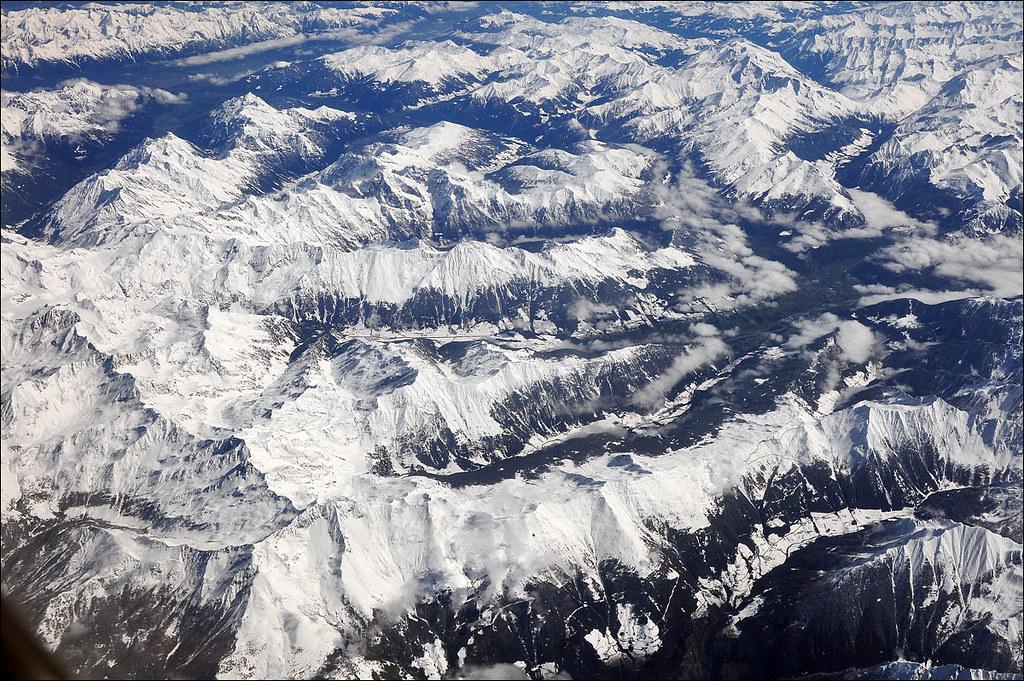 Le Alpi Orientali dal finestrino...dell'aereo!! 7248251612_50aa5f96da_b