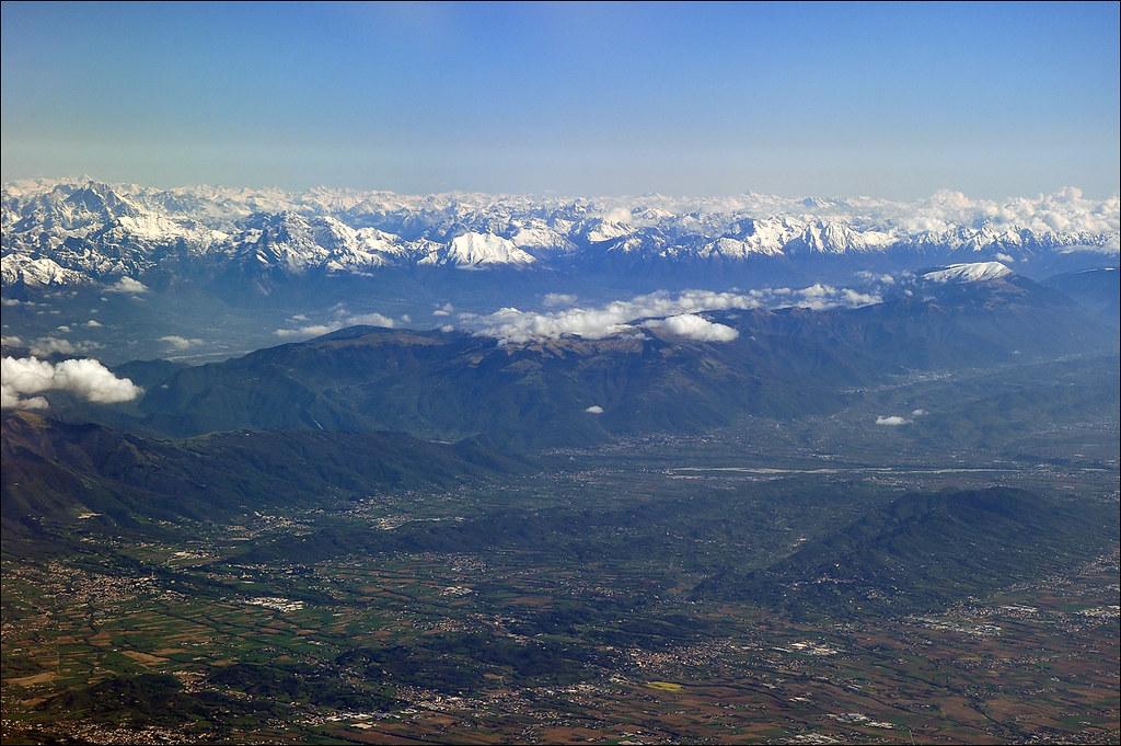Le Alpi Orientali dal finestrino...dell'aereo!! 7248252452_3301f3e428_b