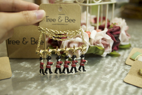 british soldier necklace