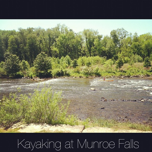 kayakers at Munroe Falls