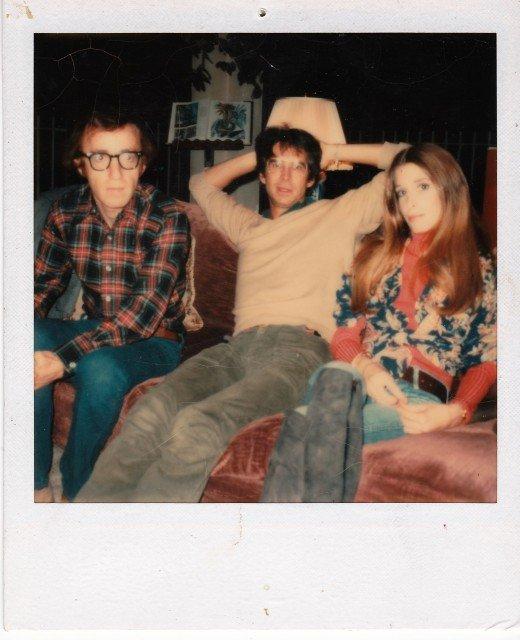 Woody-Allen-Tony-Perkins-Lucy-Saroyan-520x640