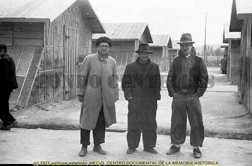 Campo de concentración de Bram, Francia,  1939  by Octavi Centelles