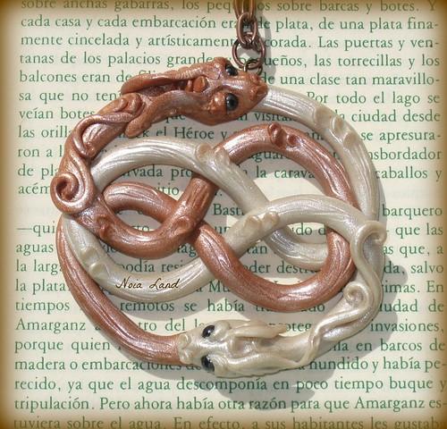 Auryn dragón de la suerte.