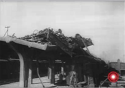 Peroanele de la Gara de Sud din Ploiesti dupa bombardament 2