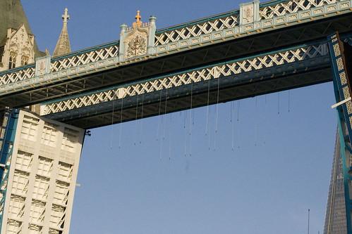 Olympic Rings lift at Tower Bridge