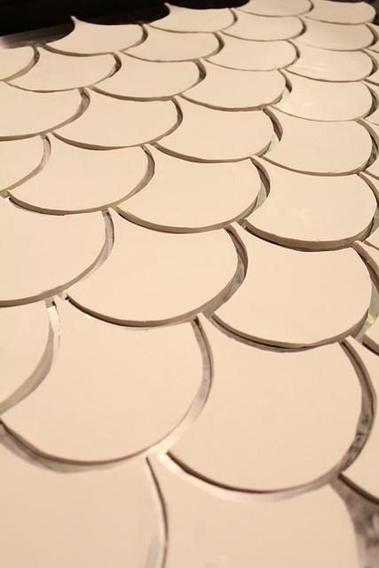 Diy fish scale tile kara paslay design for Fish scale coke cut