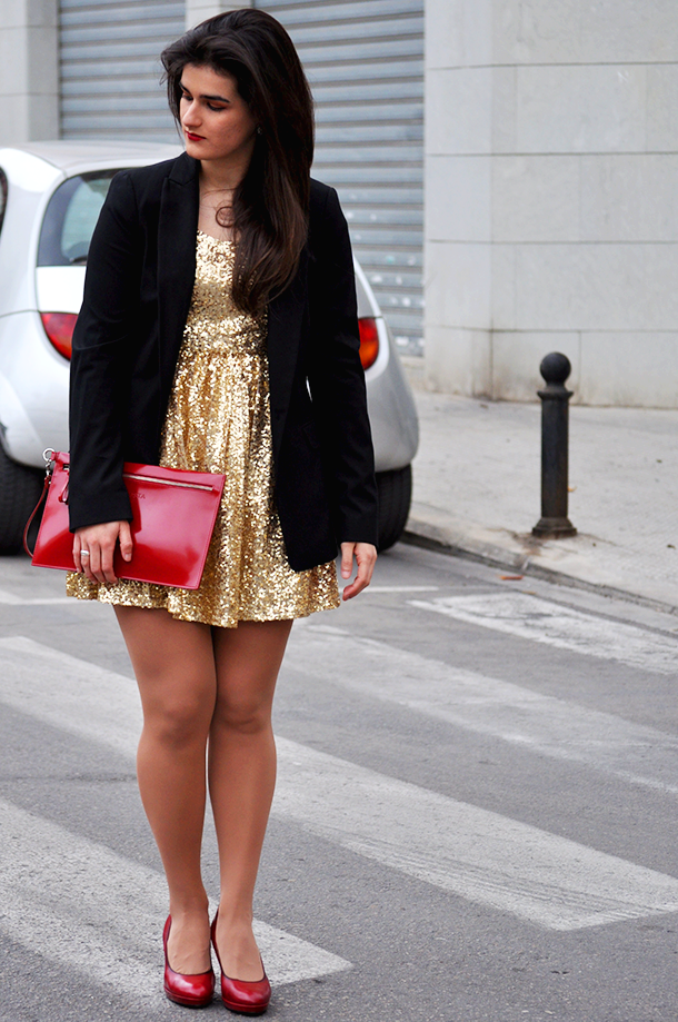 somethingfashion blog moda tendencias valencia spain, fblogger pailletes golden glitter dress romwe, red pumps vicosta zara, party dresses
