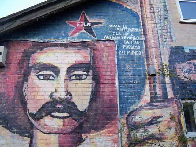 13972997526 576f303fcb for Mural zapatista