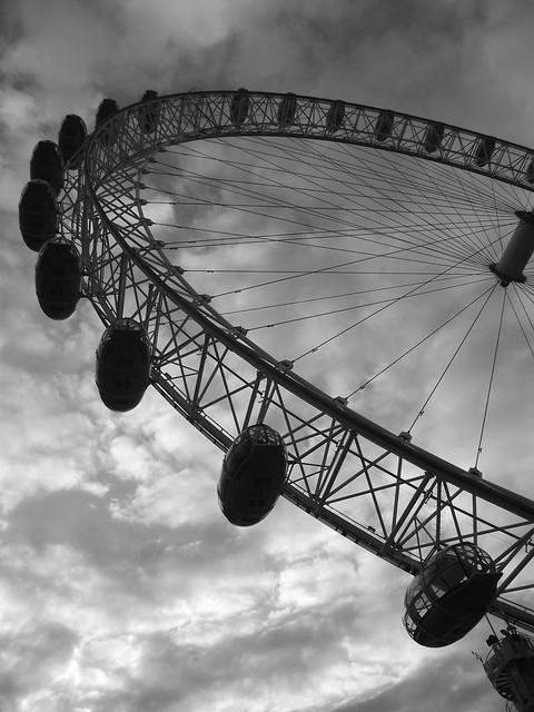 london eye black and - photo #46