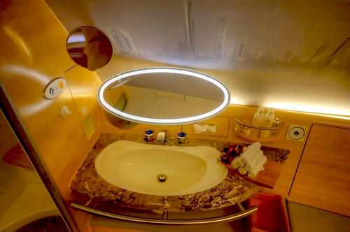 Emirates First Class A380 bathroom