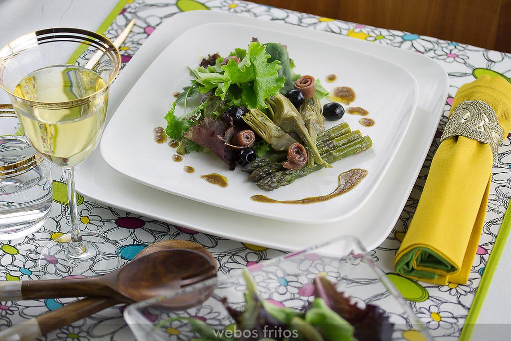 Ensalada de alcachofas y espárragos