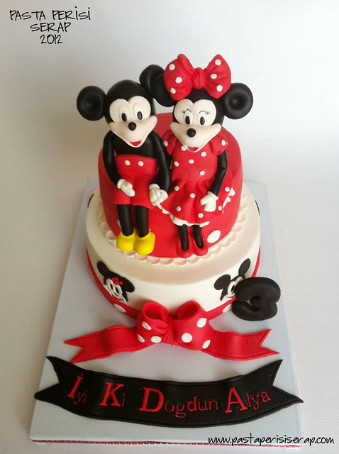 Minnie mickey mouse cake