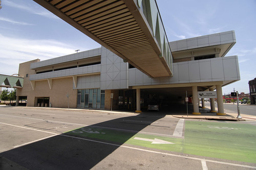 Pedestrian walkway connecting Waco ISD building to the Waco water office, Franklin Avenue