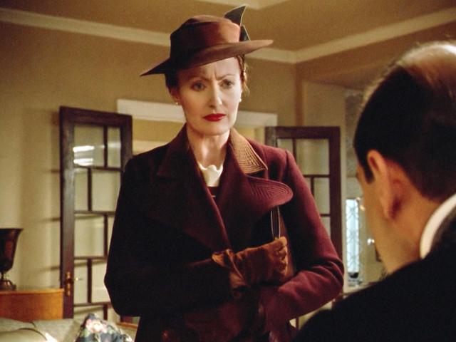 Poirot_MsLemon_DisappearanceDavenheim_burgundycoat