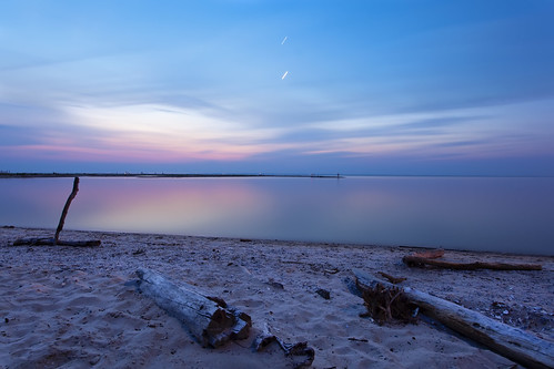 longexposure beach night sunrise dark glow cloudy yawn earlymorning maryland predawn needcoffee calvertcounty nofilters flagponds canon5dmkii ef1740f40lusm planettrails trulyavailablelight 342secondexposure