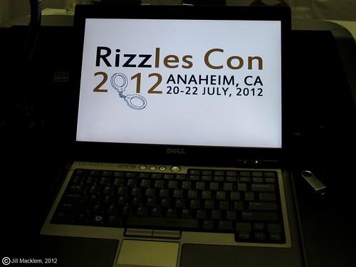 PreFridayRizzlesConComputer2