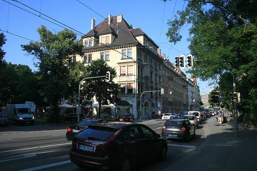 Montgelastraße, Ecke Mauerkircher Straße