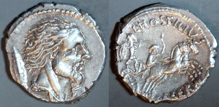 448/2a L.HOSTILIVS SASERNA Hostilia Denarius. Vercingetorix, Gallic shield, Two warriors in biga. Rome 48BC.