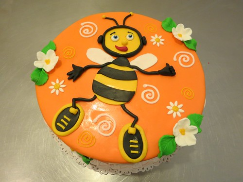 Happy Bee Cake by CAKE Amsterdam - Cakes by ZOBOT