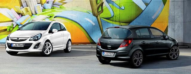 Opel Corsa 1.4 Turbo All Black/All White