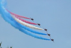 Red Arrows performing 6