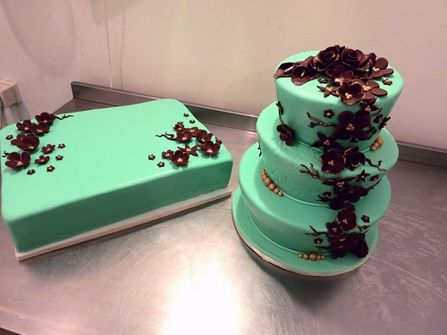Mint Green and Brow wedding cakes by CAKE Amsterdam - Cakes by ZOBOT