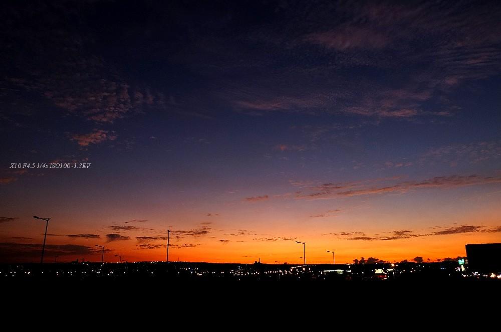 夕陽西下 _ FujiFilm X10