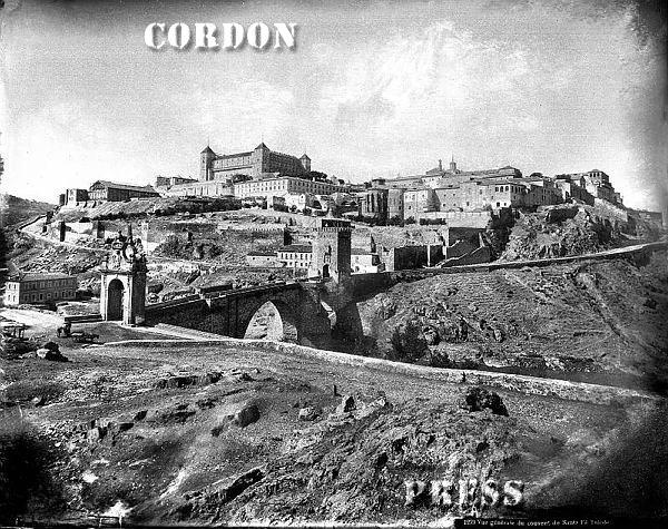 Puente de Alcántara y Alcázar de Toledo hacia 1875-80. © Léon et Lévy / Cordon Press - Roger-Viollet