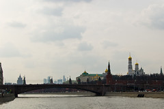 Bolshoy Moskvoretsky Bridge et le Kremlin